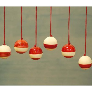 Baubles Red_Grey Bkg_MOWeb